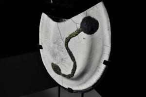 Vase en raku sur son socle